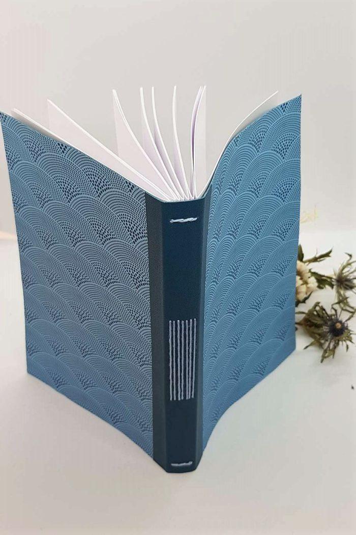 a5 long stitch bleu éventail