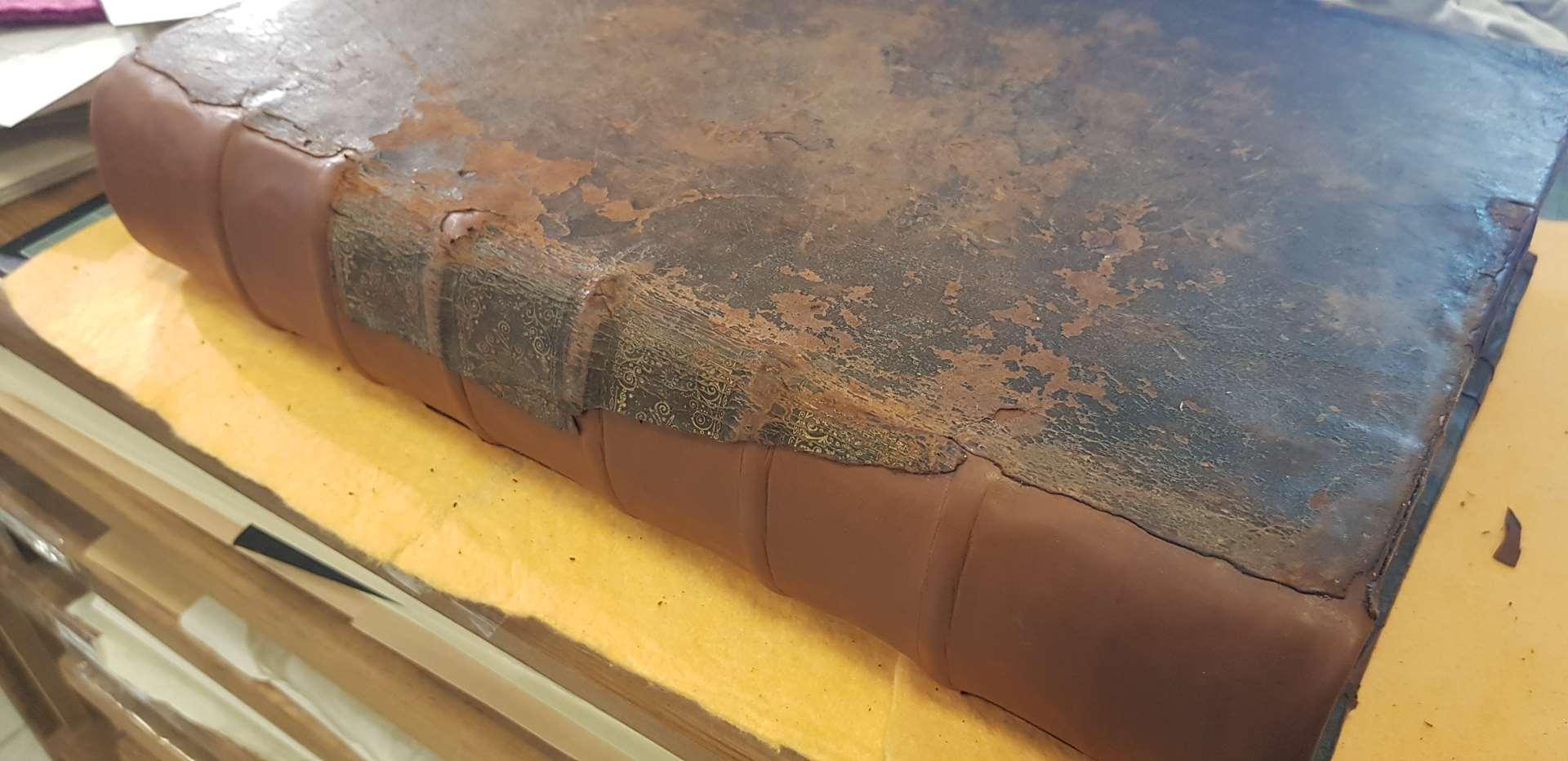 cuir posé bible